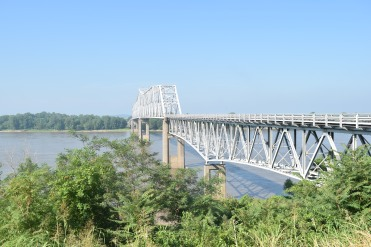 Chester Bridge crossing the Mississippi River